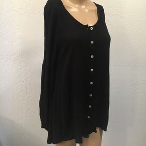 Just Fab Black Button up flowy shirt w seashell